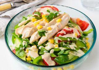 Salad ức gà với rau củ