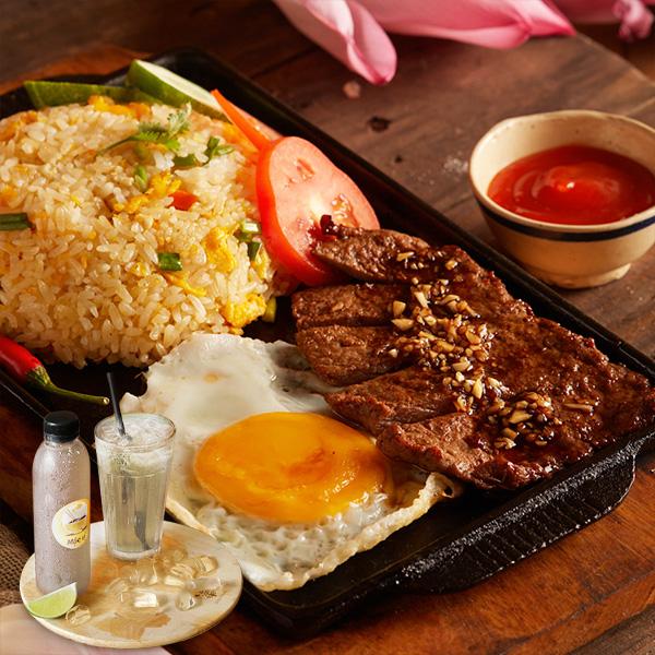 Cơm gạo lứt và bò bít tết
