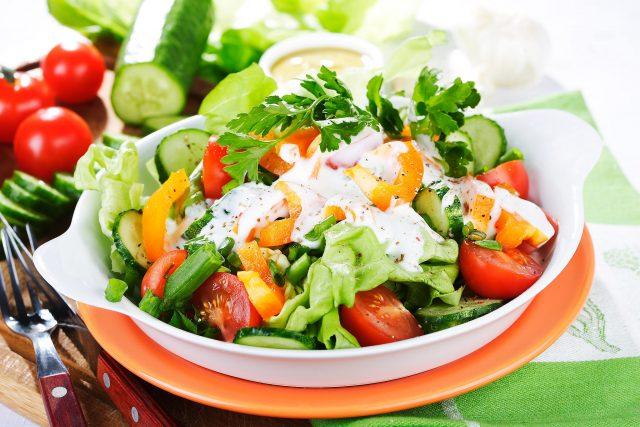 Salad sữa chua giảm cân