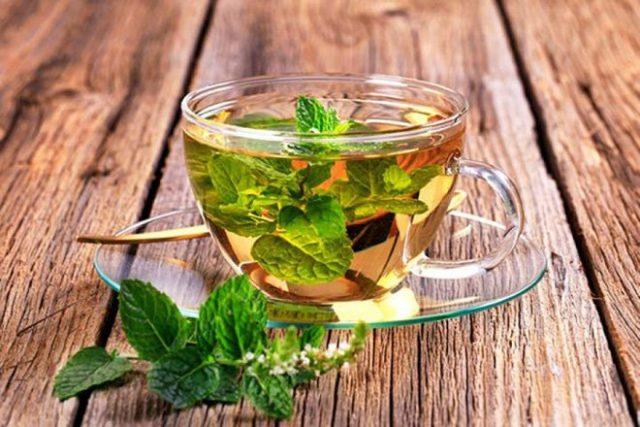 Dùng một ly trà bạc hà sau ăn