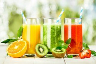 dầu dừa kết hợp cùng sinh tố hoa quả