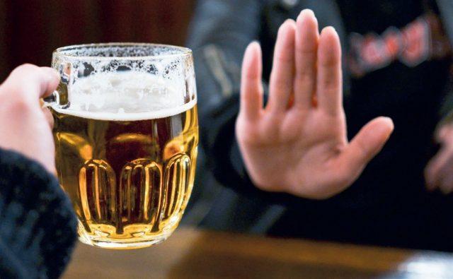 Bổ sung nhiều bia rượu khiến mỡ bụng tăng cao