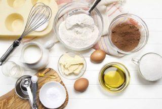 Bột nở, bột quế và muối